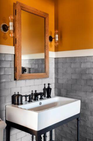 卫生间黄色背景墙美式风格装潢效果图
