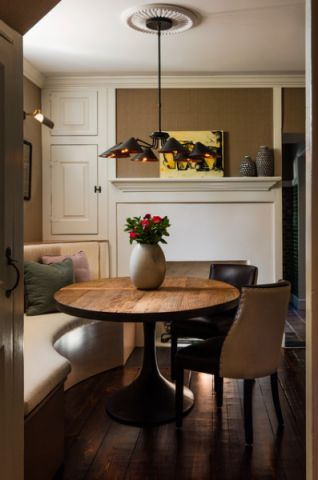 客厅咖啡色细节美式风格装潢图片
