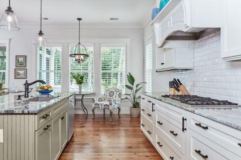 厨房白色走廊美式风格效果图