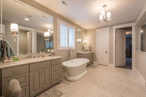卫生间米色背景墙美式风格装饰图片