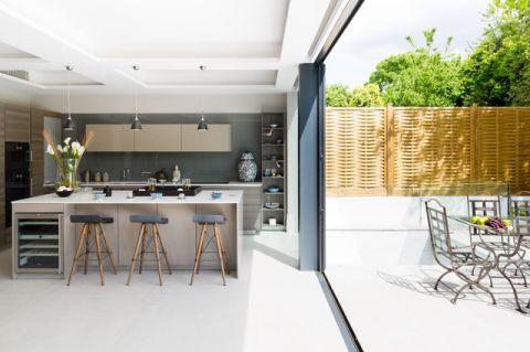 厨房绿色隔断美式风格装潢图片