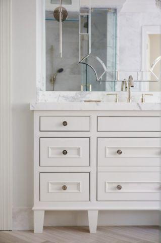 卫生间白色梳妆台美式风格装修图片