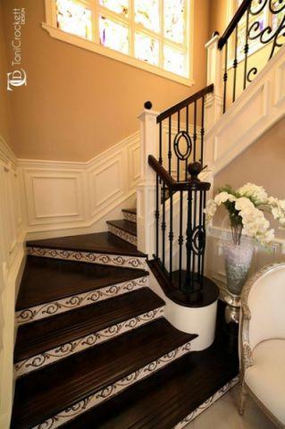 咖啡色楼梯简欧风格装饰设计图片