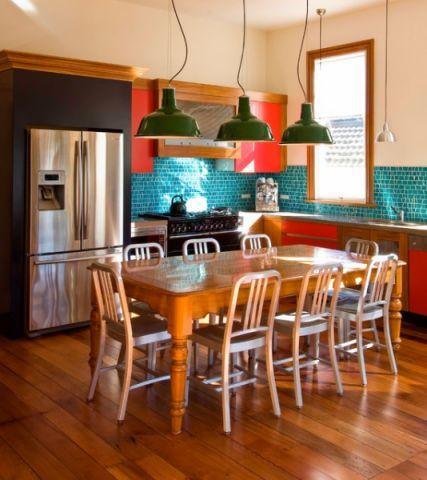 厨房咖啡色吊顶简欧风格装修效果图