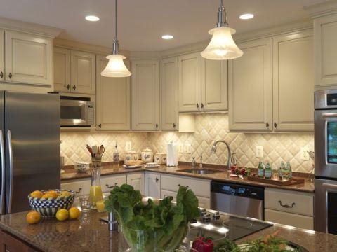 厨房米色简欧风格装潢设计图片