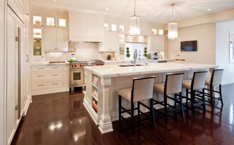 厨房米色厨房岛台简欧风格装潢设计图片