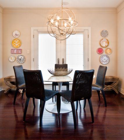 餐厅咖啡色餐桌简欧风格装饰图片