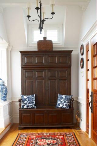 玄关咖啡色橱柜简欧风格装潢设计图片