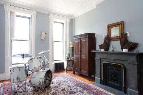 客厅蓝色背景墙简欧风格装潢图片