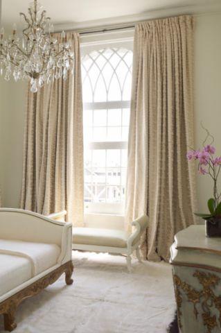 卧室米色窗帘简欧风格装修效果图
