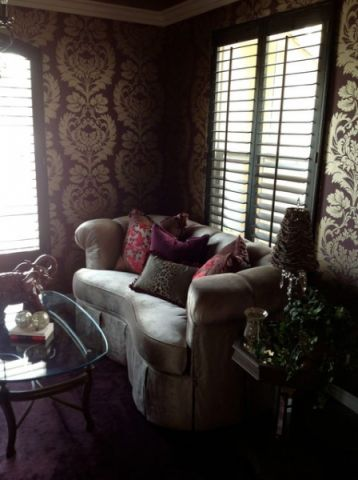 客厅咖啡色背景墙简欧风格装潢效果图