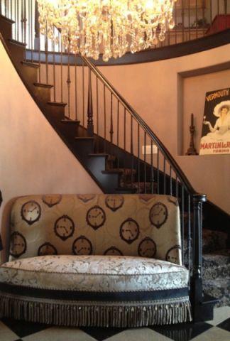 玄关咖啡色楼梯简欧风格装修图片