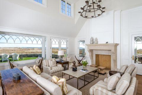 客厅白色吊顶简欧风格装修设计图片