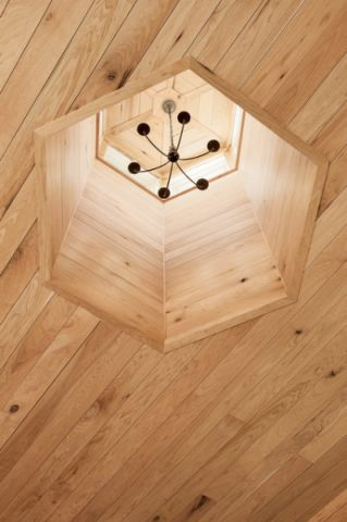 客厅米色灯具简欧风格装潢效果图