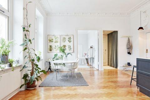 客厅白色照片墙简欧风格装饰效果图
