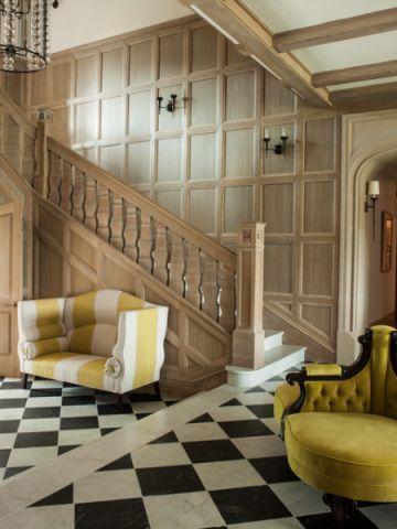 客厅楼梯简欧风格装修图片