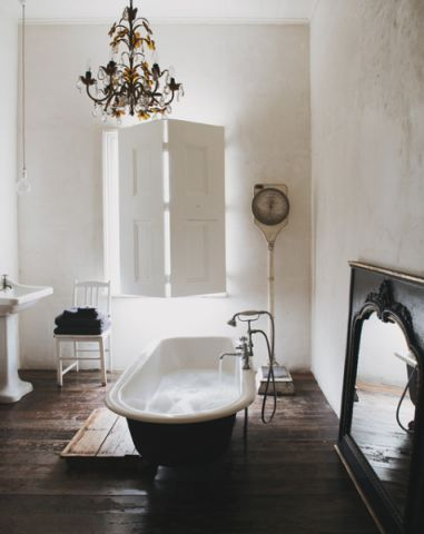 卫生间细节混搭风格装潢图片