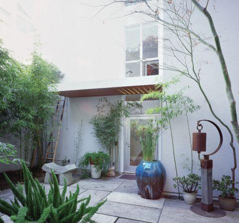 外景白色外墙现代风格装饰设计图片