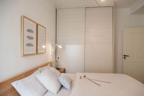 卧室推拉门现代简约风格效果图