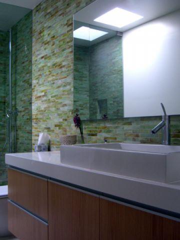 卫生间梳妆台现代风格装修效果图