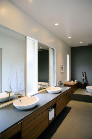 卫生间梳妆台现代风格装饰设计图片