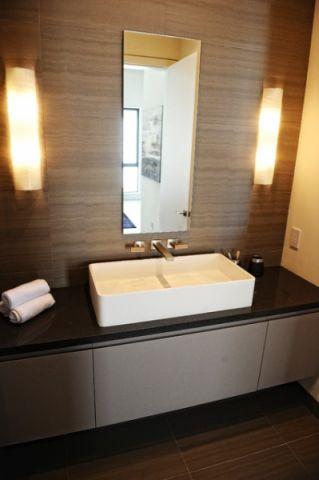 卫生间黑色梳妆台现代风格装潢效果图