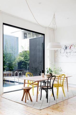 餐厅背景墙现代风格装潢图片