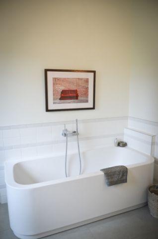 卫生间照片墙现代风格装饰效果图