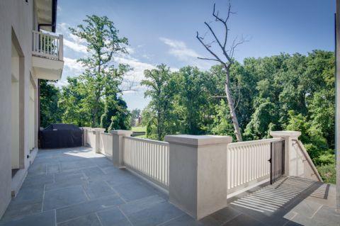 阳台走廊美式风格装潢图片