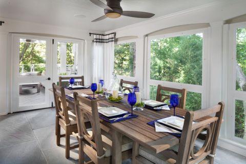 餐厅白色吊顶美式风格装潢效果图
