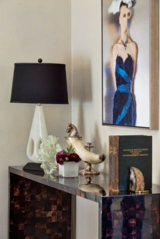 卧室白色背景墙美式风格装修设计图片