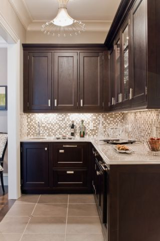 厨房红色橱柜美式风格装潢图片
