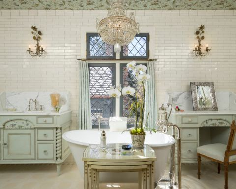 卫生间白色浴缸简欧风格装饰图片