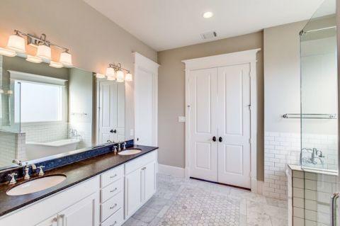 卫生间白色细节简欧风格装修效果图