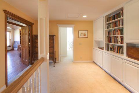 客厅白色走廊简欧风格装潢图片