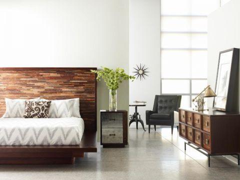 卧室白色床头柜简欧风格装饰效果图