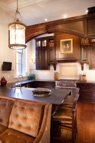 厨房红色餐桌简欧风格装饰效果图