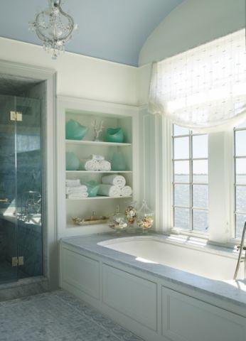 卫生间白色浴缸简欧风格装潢图片