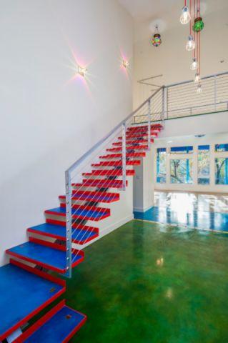 玄关彩色楼梯混搭风格装修图片