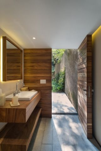 卫生间现代风格装饰设计图片