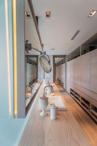 卫生间现代风格装饰图片