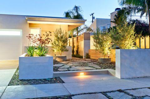 花园现代风格装饰图片