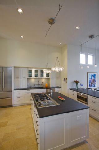厨房白色厨房岛台现代风格装修设计图片