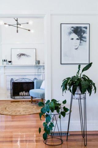 客厅门厅现代风格装潢效果图