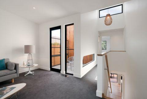 客厅门厅现代风格装饰图片