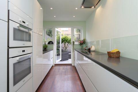 厨房走廊现代风格装潢效果图