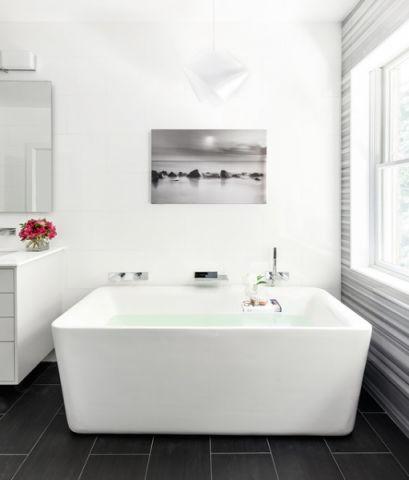 卫生间浴缸现代风格装修设计图片