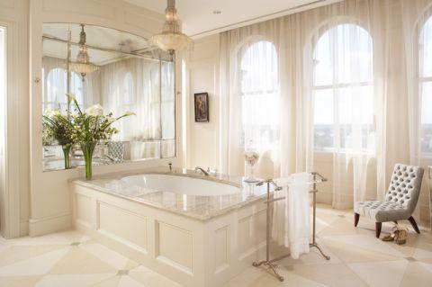 温馨舒适美式风格浴室装修效果图