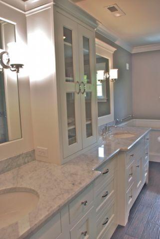 卫生间白色橱柜美式风格装饰效果图