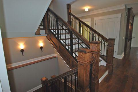 卧室咖啡色楼梯美式风格装修设计图片